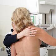 Cancer du seinL'INC a fourni aux femmes une information incomplète et partiale sur les avantages et les inconvénients à suivre le dépistage organisé