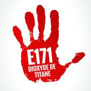 Dioxyde de titane (E171)Passons immédiatement à l'interdiction pour les aliments, les médicaments et les cosmétiques !
