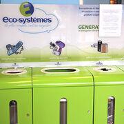 Recyclage des déchets électriques et électroniquesLes poubelles percées de la distribution