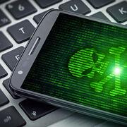 Arnaque au colisCe SMS cache un redoutable virus qui copie votre application bancaire