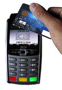 Carte De Paiement Sans Contact Le Credit Agricole A La Main Leste