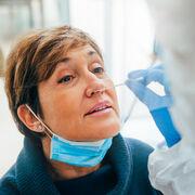 Tests Covid-19 - Quand des labos poussent à la consommation