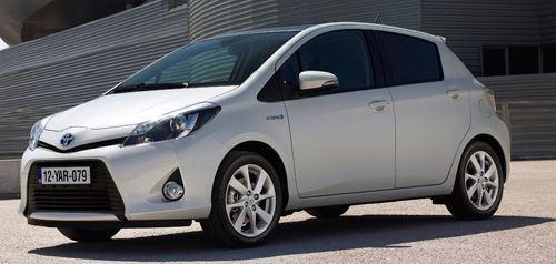 toyota yaris hybrid premi res impressions actualit. Black Bedroom Furniture Sets. Home Design Ideas