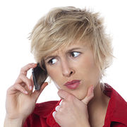 ArnaquesNuméros surtaxés, le piège de l'attente téléphonique