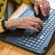 Démarches administrativesDes solutions pour les oubliés d'Internet