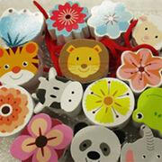 Perles en bois fleurs et animaux Aloya